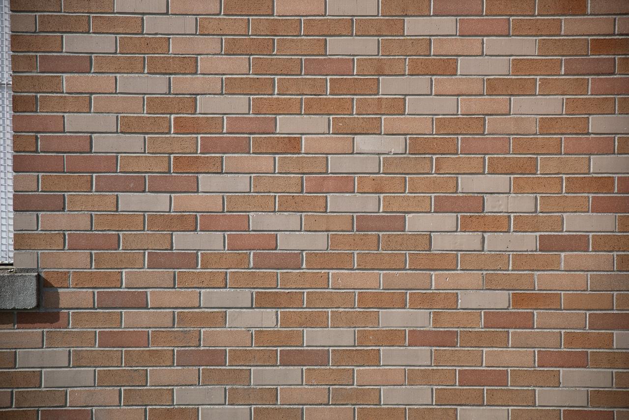 p247070f28-brick